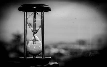 time Sanduhr EDUIN pixabay ©EDUIN_pixabay
