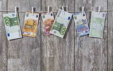 Geld auf LeineBru nO pixabay ©Bru_no Pixabay