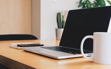 Laptop am Arbeitsplatz ©pixabay