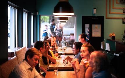 Menschen in Restaurant